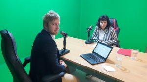 Nahrávání podcastu s Alenou Lubasovou (vlevo moderátor Lukáš Smelík), vpravo Alena Lubasová