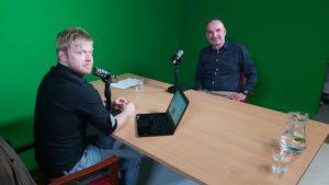 Moderátor Lukáš Smelík s Karlem Bílkem z B + R automatizace, spol. s r.o.